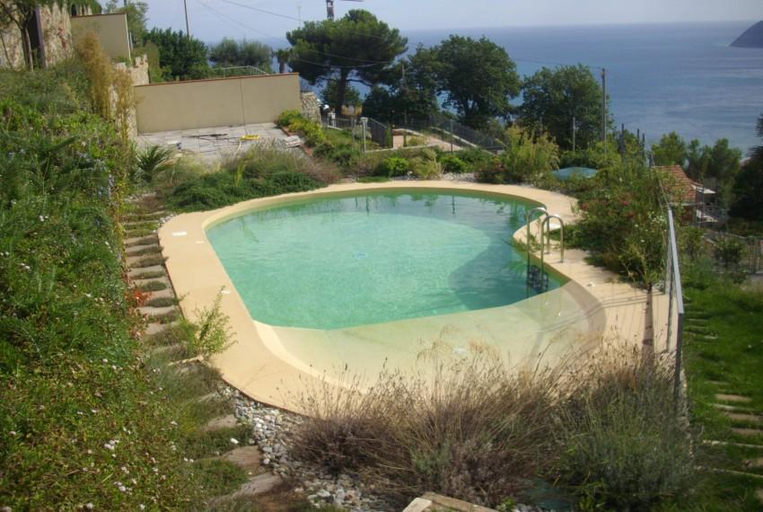 villa con piscina prima collina Alassio