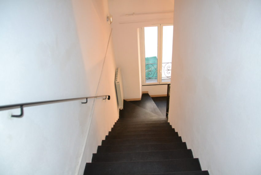 Trilocale due livelli con terrazzino