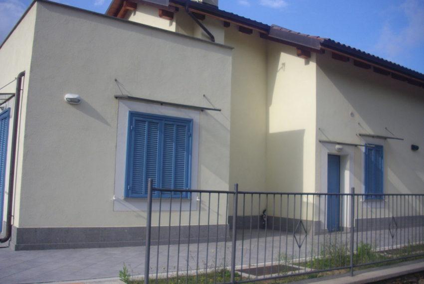 Villa su due piani con terreno – Garlenda –